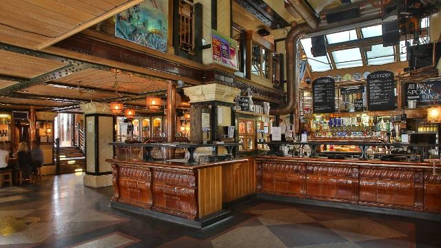 The Porterhouse Pub Visitlondon Com