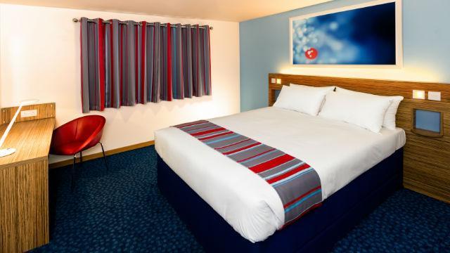 Travelodge london ilford hotel hotel visitlondon travelodge london ilford hotel colourmoves