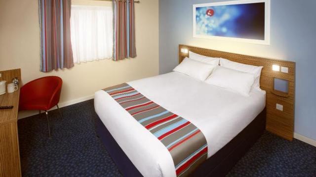 Cambridge Hotels Twin Room