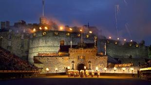 Day Trips From London Sightseeing Tour Visitlondon Com