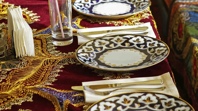 Halal Restaurants In London Other Restaurant Visitlondoncom - Things found on a restaurant table