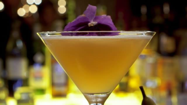 Regent Street Cocktail Safari - Things To Do - visitlondon.com