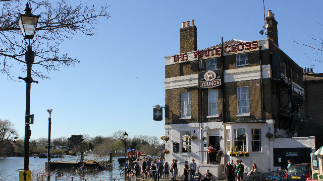 Top 10 riverside pubs in london pub bar for 7 hammersmith terrace